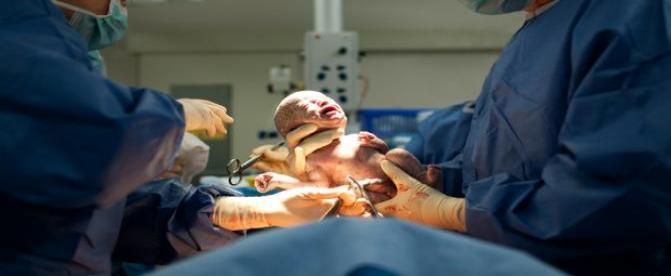 خطرات سلامتي جراحي سزارين براي كودكان