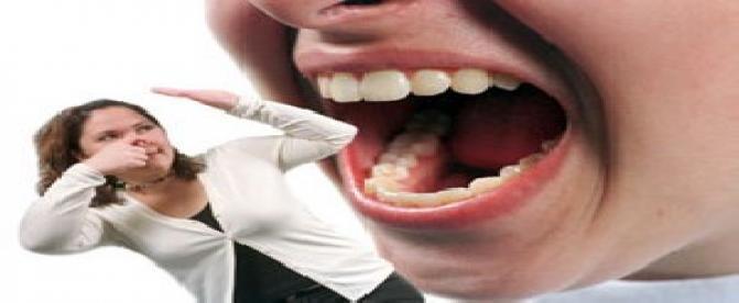 آیا میدانید  استعمال دخانیات و مصرف مشروبات الکلی باعث بوی بد دهان می شود ؟