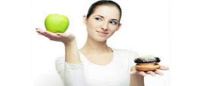 کدام مواد غذایی به رفع اکنه های پوستی کمک میکنند ؟(1)