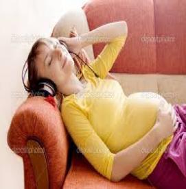کاهش استرس زنان بارداربا شنیدن موسیقی
