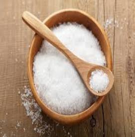 نمک چه خطراتی به جز افزایش فشار خون دارد ؟